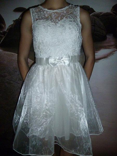 505607fd3a36 01 Společenské plesové šaty koktejlky s krajkou bílé