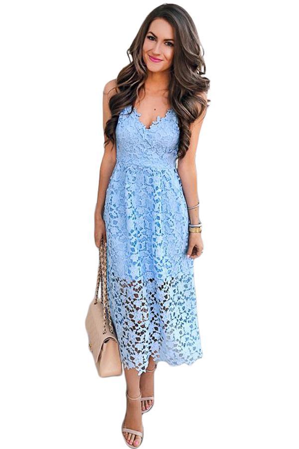 1caa29060e21 Krajkové letní šaty světle modré